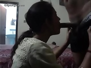 NICE PAKISTANI WHORE BLOWJOB AND DOGGY full video