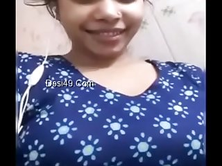 Desi gf exposing and peeing on video call