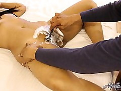 Desi Aunty Mona Choot Cleaned By Their way Husband In Hotel Room At the Getting Hard Fuck