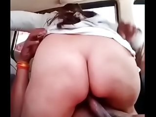 Big Ass bhabhi fucked by owner in car