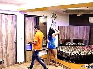 Indian Bhabhi Asking Hotel Waiter Boy To Have Sex