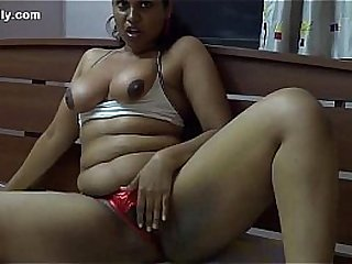 Fat Indian woman masturbates